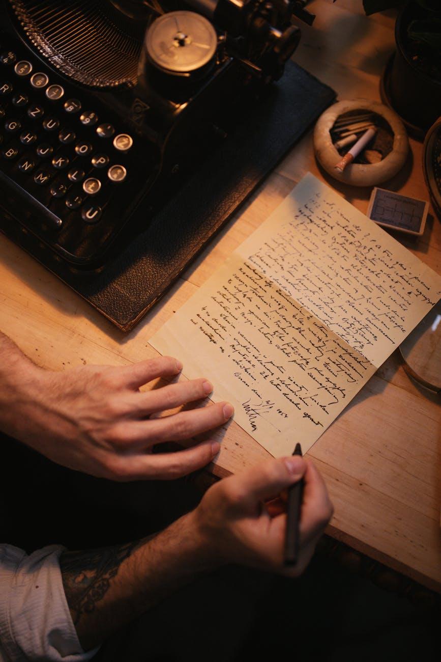 flowers desk pen letter